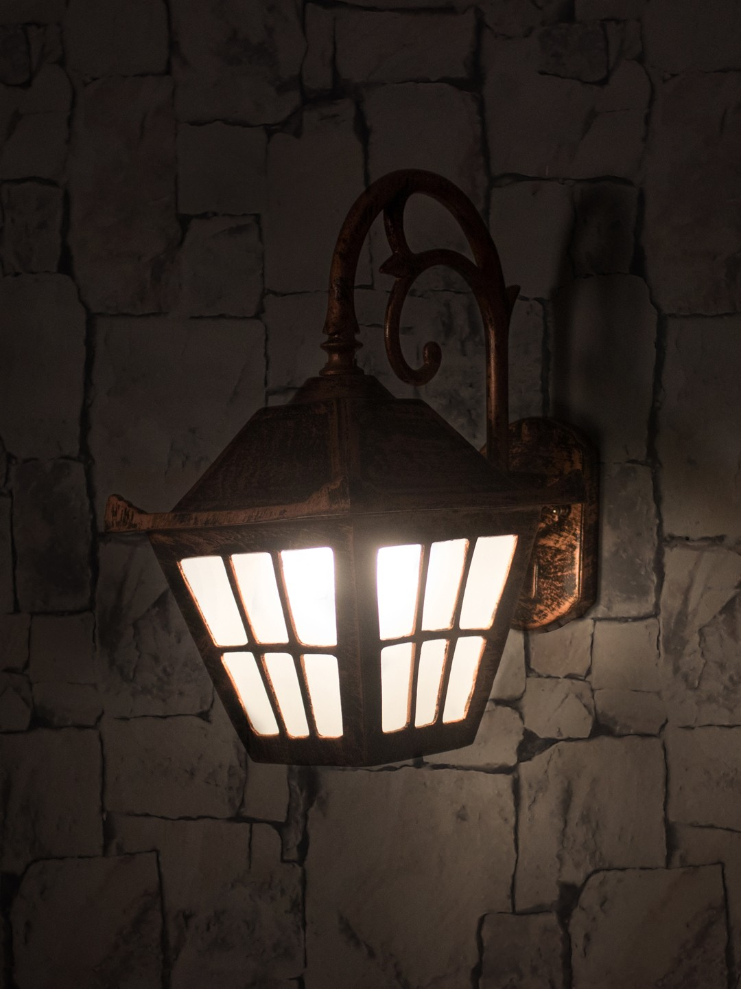 Checks Copper Antique Outdoor Wall Light