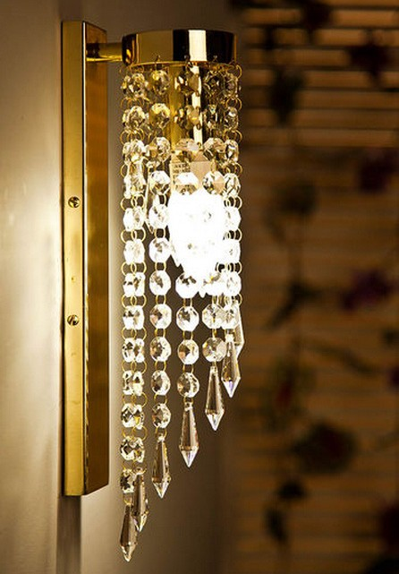 Brilliant Spiral Crystal Golden Wall Light