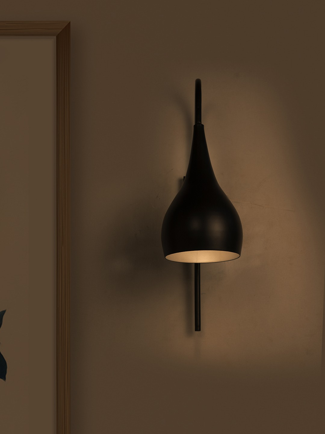 Weaver's Nest Inspired Black Wall Lamp