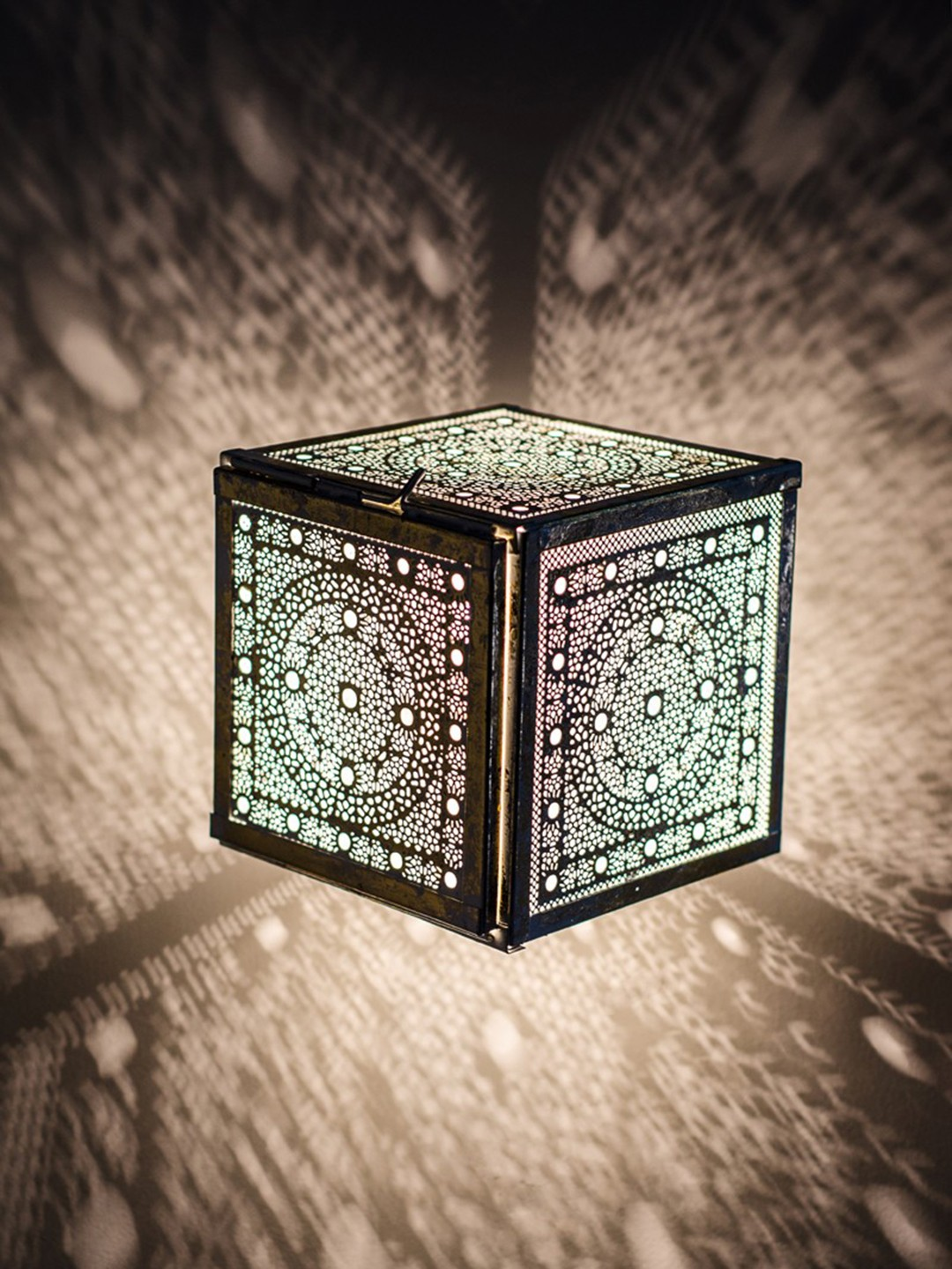 Lattice Cube Wall Light