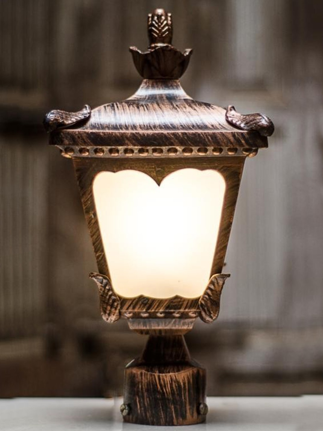 Classic gate light in antique copper finish …
