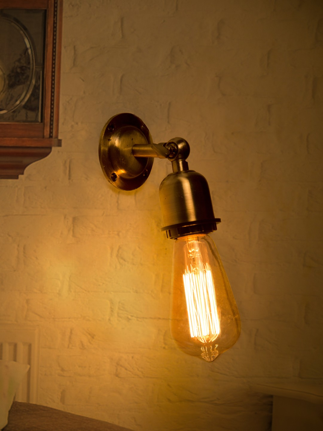 Fos Lighting Simple Vintage Edison Holder Swivel Wall Sconce