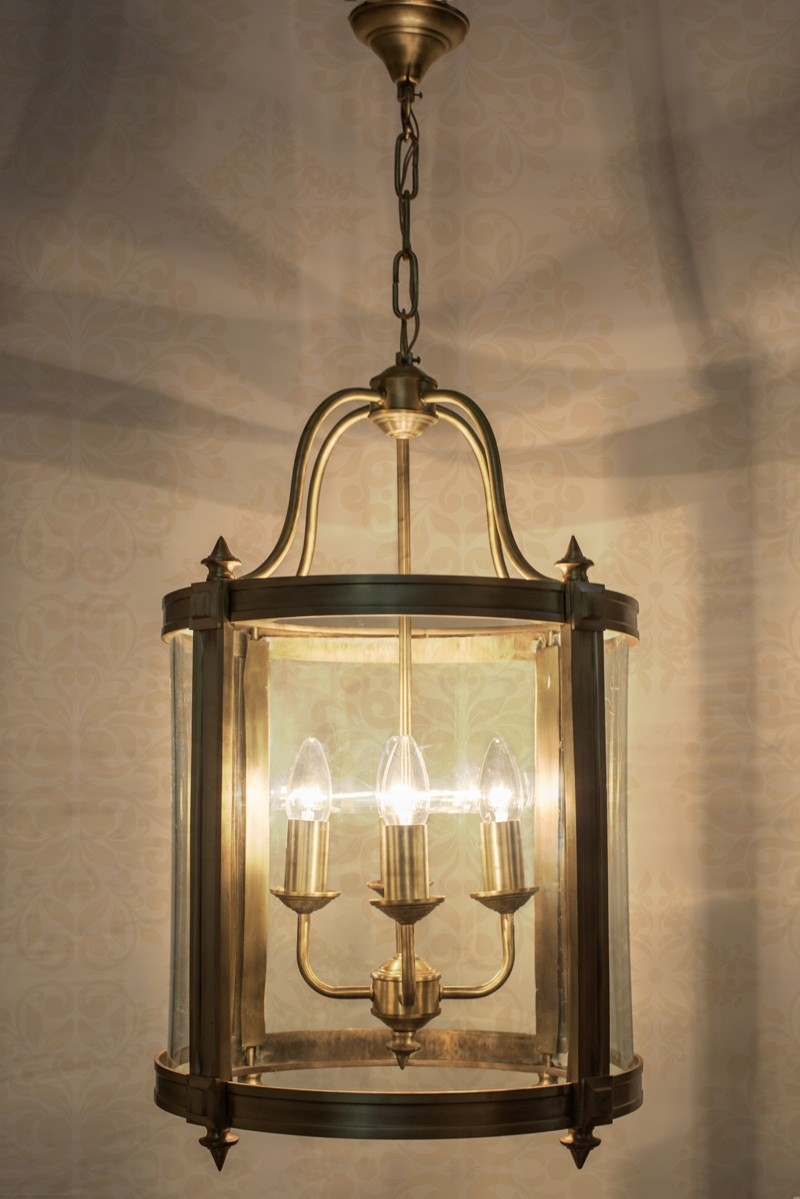 English Foyer Pendant Lantern Light