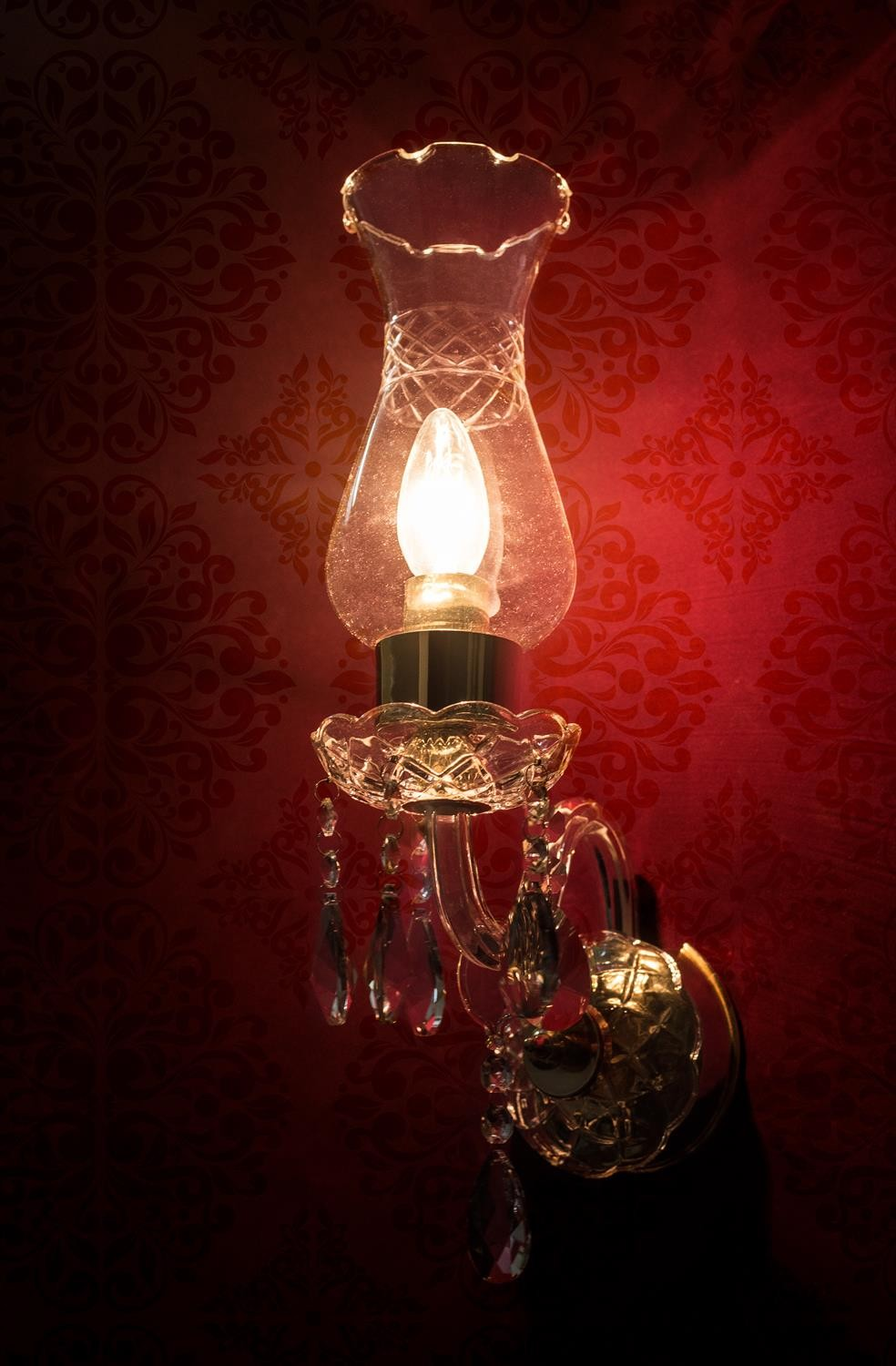 Crystal Arm & Chimney single Wall Sconce