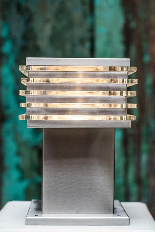 Modern Square 8X8 Outdoor Gate Light