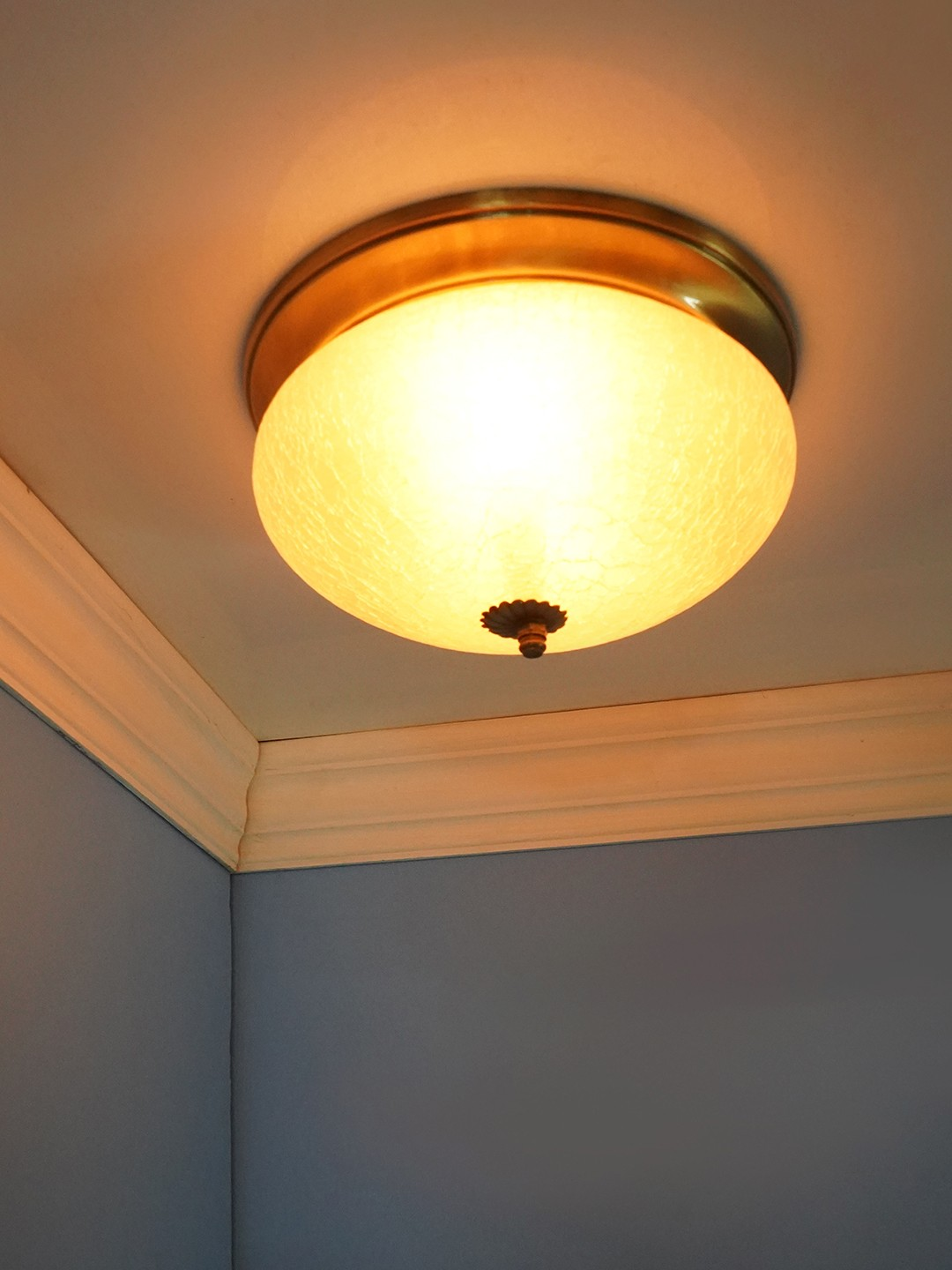 Zenith Crackle  Glass 10 Inches Flush Mount Brass Ceiling Lamp