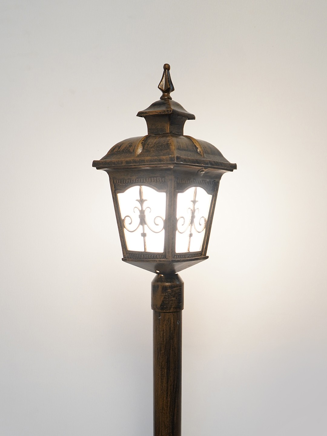 Lamp Post Lights Indoor/Outdoor, Vintage Street Light for Living Room, Lawn, Pathway, Driveway, Front/Back Door