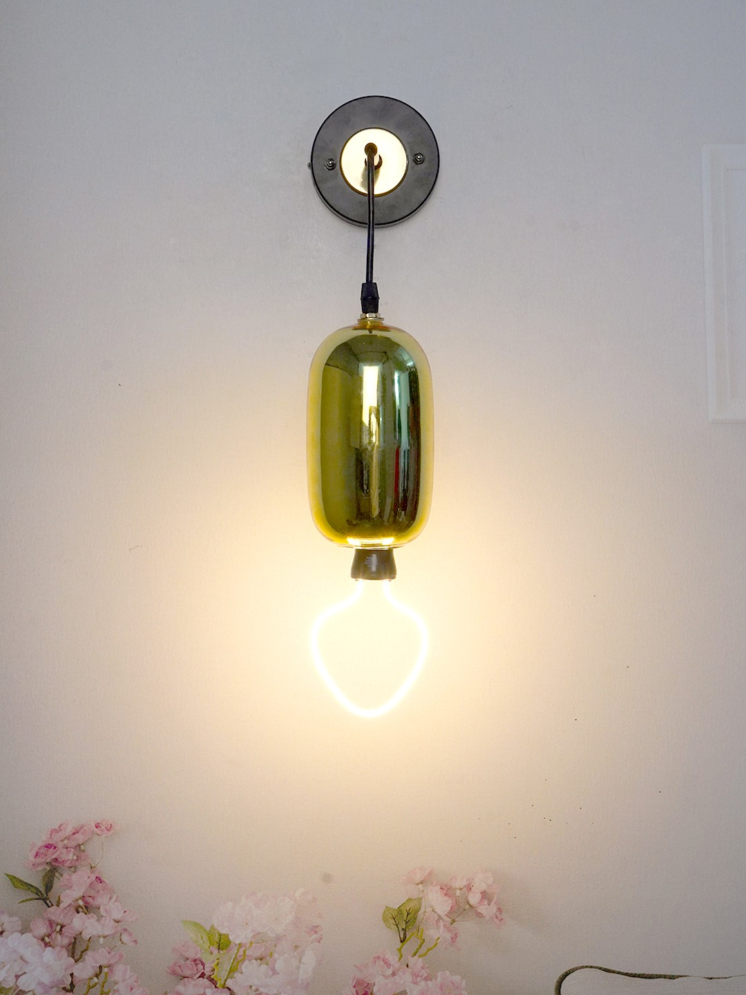 Capsule Shape Wall Hanging Light Wall Lamp in Gold Colour with Steel Body Wall Light for Living Room, Drawing Room & Halls